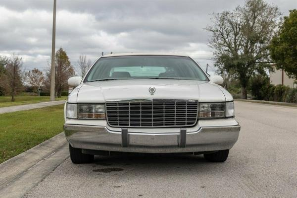 Showcase cover image for Tinkerdrawer's 1995 Cadillac Fleetwood