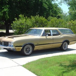 Olds never built one but I did! It's a 70 Ram-air Cutlass done W-31 style.