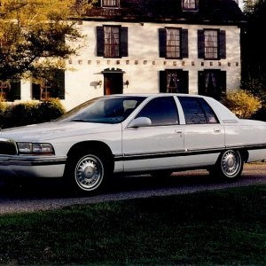Buick Roadmaster with borrowed house